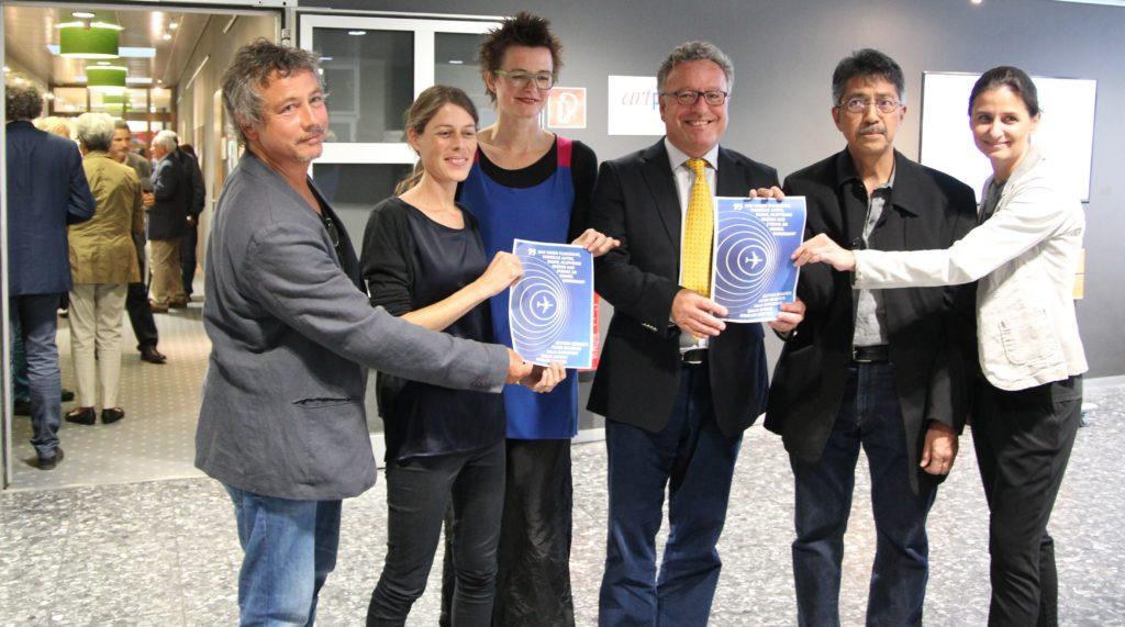 Kulturlandesrat Heinrich Schellhorn mit den KünstlerInnen Peter Brauneis, Annelies Senfter, ,Bettina Beranek, Emilio Gunot und Julia Dorninger.